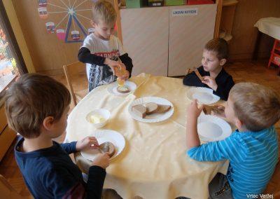 Tradicionalni slovenski zajtrk 2019 - Vrtec Veržej 03