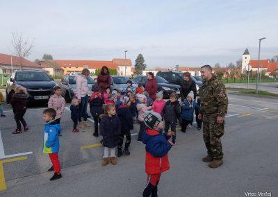 Vojaki na obisku - Vrtec Veržej 35