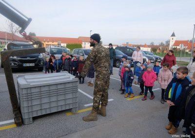 Vojaki na obisku - Vrtec Veržej 39