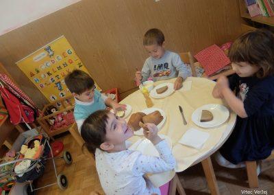 Tradicionalni slovenski zajtrk 2019 - Vrtec Veržej 02