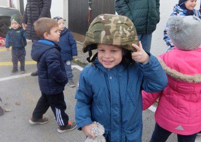 Vojaki na obisku - Vrtec Veržej 06