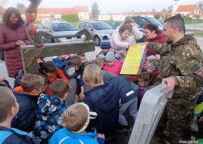 Vojaki na obisku - Vrtec Veržej 40